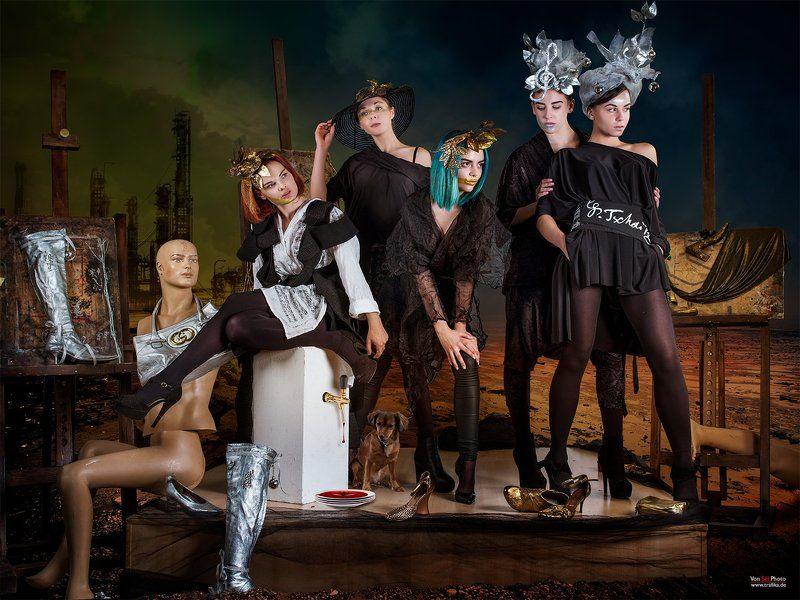 fashion,black, white, dog, desert, art, painting, music, mirage, city, dresses, design Miragephoto preview