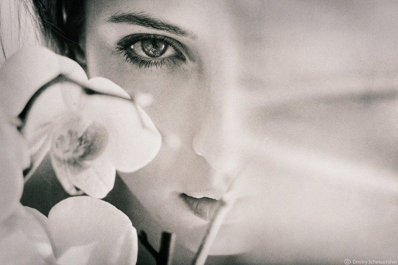 portrait bw look eyes flower * * *photo preview