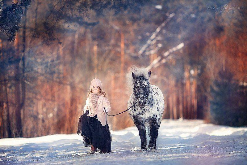 девочка, зима, пони, аппалуза Две модницыphoto preview