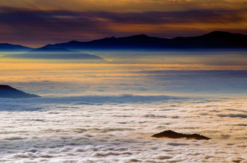 Приморье, Приморский край, горы, туман, облака, рассвет На другой планетеphoto preview