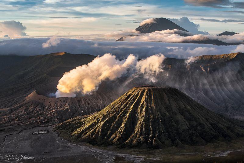 индонезия,ява, рассвет, вулканы, бромо, горы, пейзаж, путешествия, landscape, travel рассвет у вулкановphoto preview