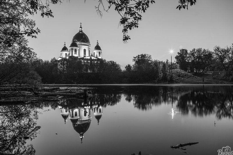 моршанск,собор,свято-троицкий собор,река,цна,чб, Моршанский Свято-Троицкий соборphoto preview