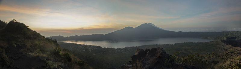 гора, вулкан, рассвет, панорама, бали, кинтамани Встречая рассвет на вершине вудкана Батурphoto preview