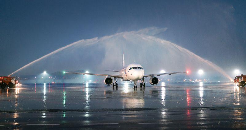 арка, самолет, аэропорт, дождь, александр пругов, сочи Арка триумфаphoto preview