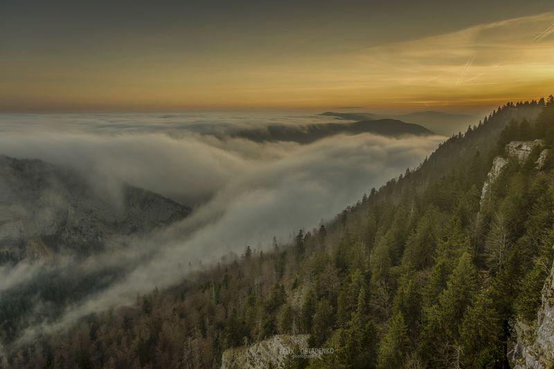 creux du van,switzerland,montains,sunrise,canyon,clouds sea of the cloudsphoto preview