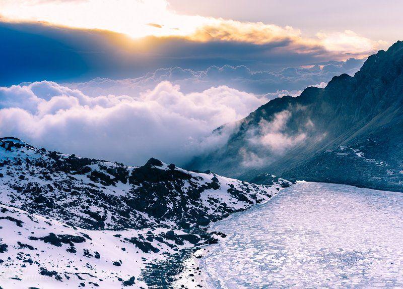 Священное озеро Госайкундаphoto preview
