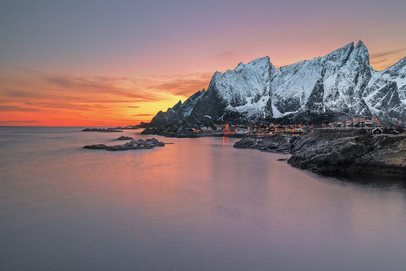 norway,mountains,lofoten,sunset,zeiss milvus 21mm,long exposure, sleeping dragonphoto preview