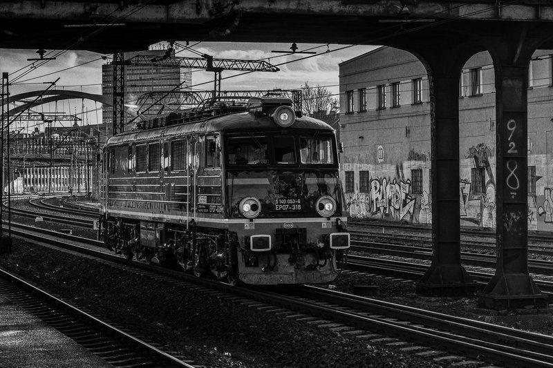 B&W Train photo preview