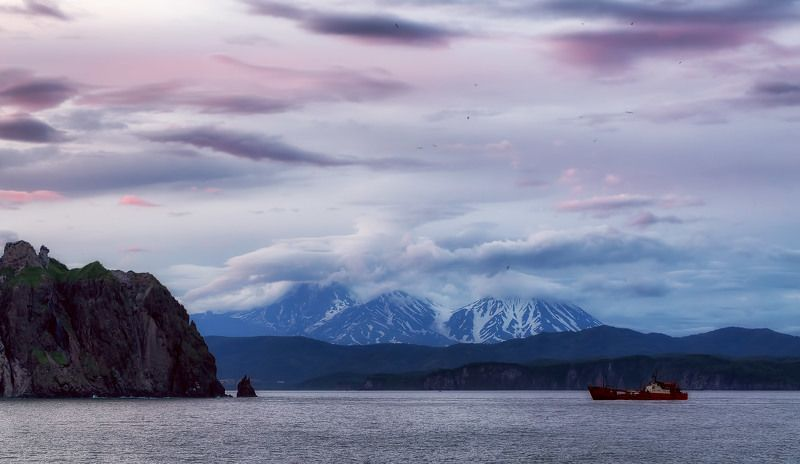 камчатка, лето, скалы, берингово море, закат, вулкан интересная Камчаткаphoto preview