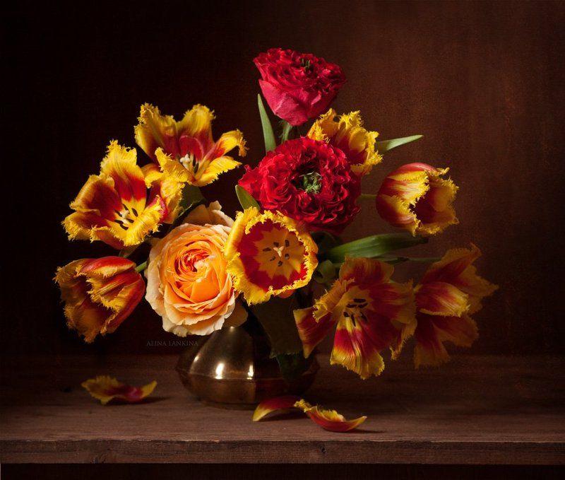 натюрморт, фотонатюрморт, букет, цветы, розы, тюльпаны, весна, красные тюльпаны, алина ланкина, still life Про тюльпаны и не толькоphoto preview
