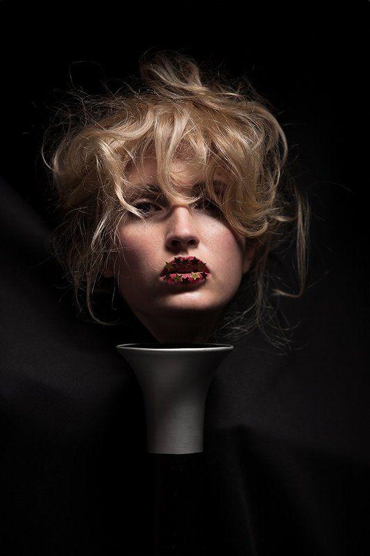 портрет, девушка, стиль, мода, авангард, волосы, блондинка, креатив, гламур, студия, тень, концептуальный, современный, fashion, style, davydov, art, beauty, glamor Золотая головка...photo preview