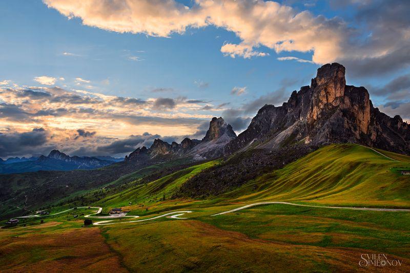 Passp Giau. Dolomiti. Italia.photo preview