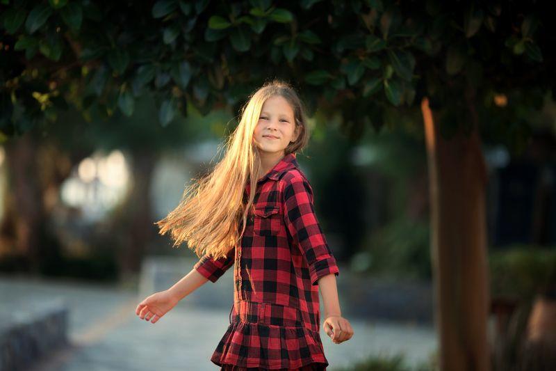 девочка, настроение, эмоции, дети, улыбка, лето, вечер, закат, свет, kids, girl Хороший день!photo preview