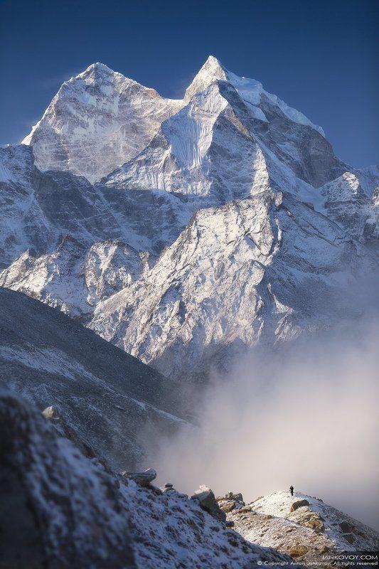 Непал, Эверест, Кантега, Гималаи, горы, треккинг, путешествия, пейзаж, снег, природа Человек и горыphoto preview