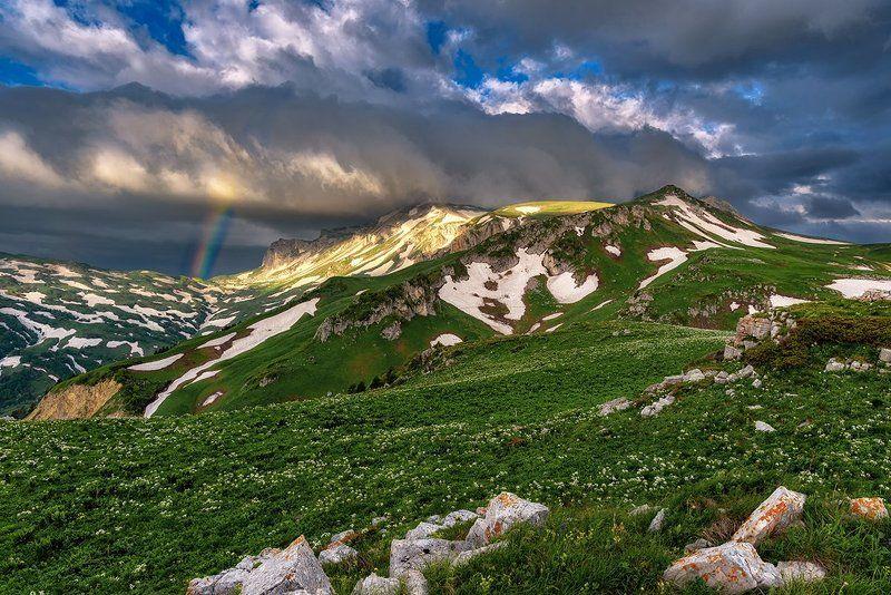 оштен, радуга,облака,горы, лето, рассвет, кавказ, Утренний Оштен и радугаphoto preview