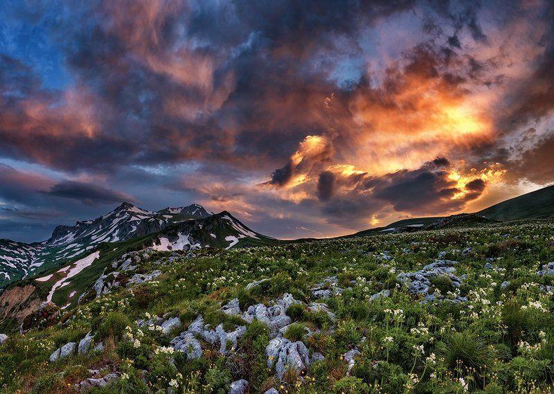 оштен,облака,горы, лето, рассвет, кавказ, адыгея, Закат над Оштеномphoto preview