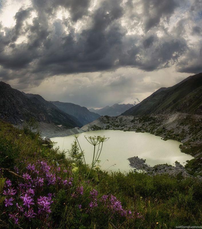адыл-су, башкара,озеро Ледниковое озеро Башкара в верховьях долины Адыл-Суphoto preview