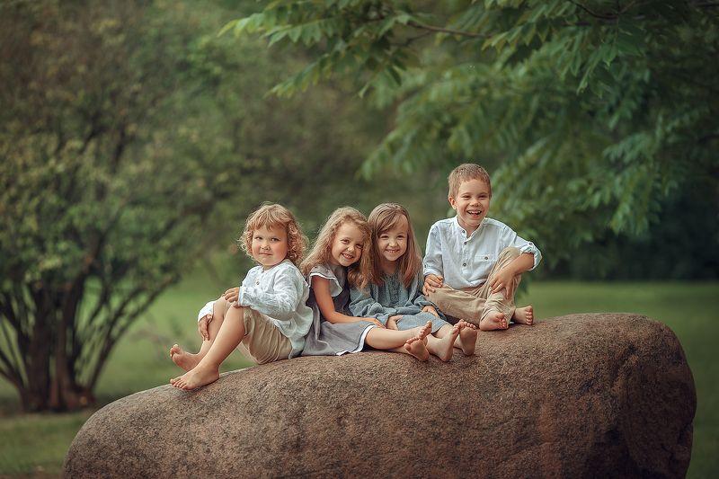 дети, портрет, семья Великолепная четверкаphoto preview