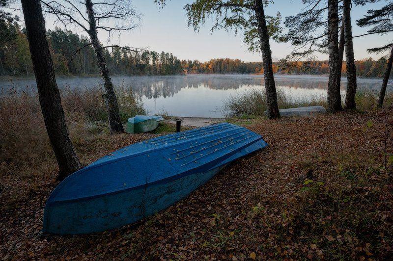 осень,пейзаж,берег,лодки,туман По спящим берегам гуляет осень...photo preview