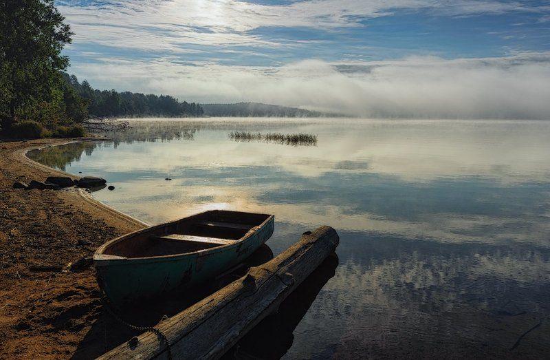 сентябрь,вода,туман,отражения,лодка,берег,пейзаж Сентябрьские зеркалаphoto preview
