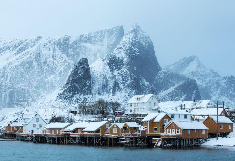 norway, lofoten Утро в деревне Sakrisøyphoto preview
