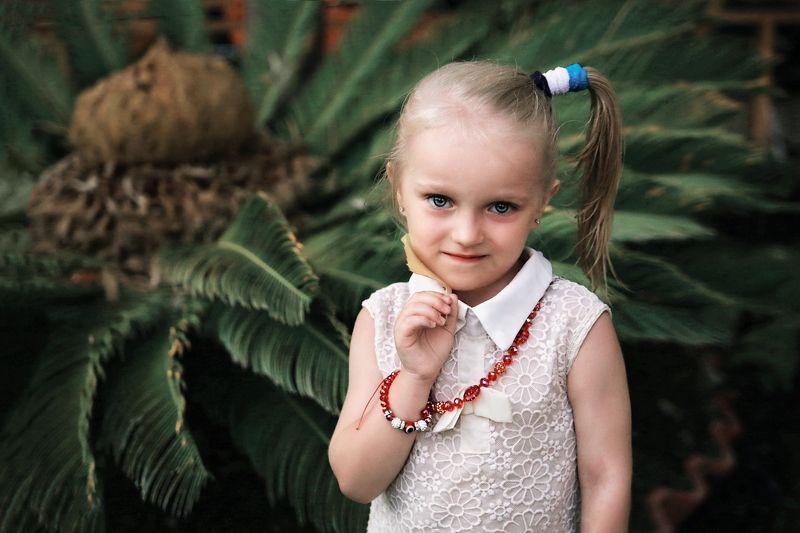 портрет, цвет, детство, семья, путешествия, природа, отпуск, каникулы, отдых Портрет дочериphoto preview