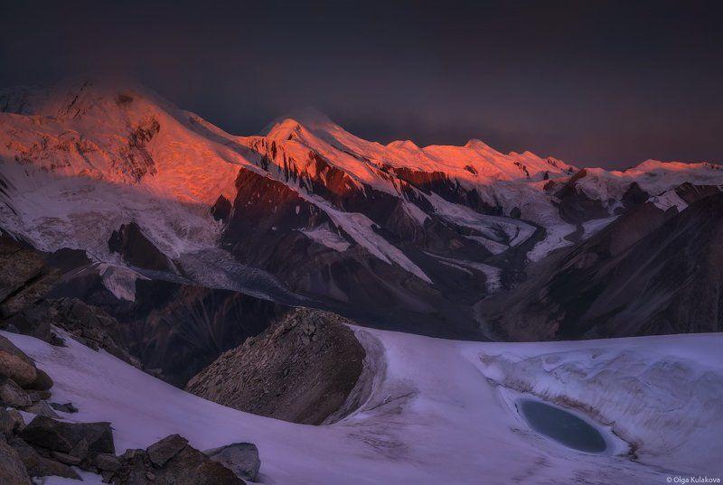 горы, вершины, рассвет, утро, тянь-шань, баянкол, ущелье баянкол, пик мраморная стена, пик баянкол, пик одиннадцати, перевал одиннадцати, пик семенова, пик астана Холодный рассветphoto preview