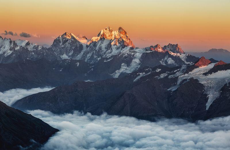 пейзаж, путешествия, горы, кавказ, закат, travel, landscape Над облакамиphoto preview