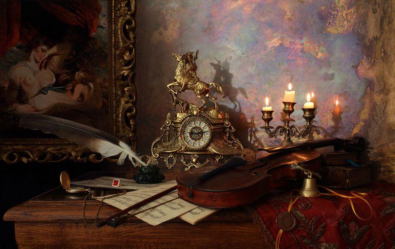 скрипка, свечи, картина, часы, свет, музыка Натюрморт из серии \