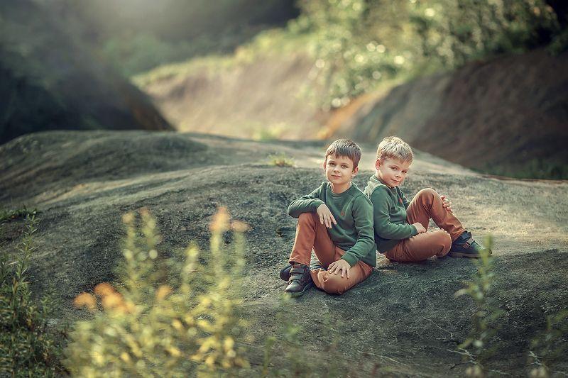 дети, портрет, семья Павел и Владphoto preview