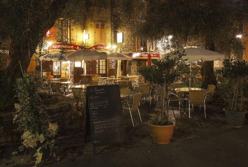 provence,france,tourtour,прованс Уютное кафе в глубинке Провансаphoto preview