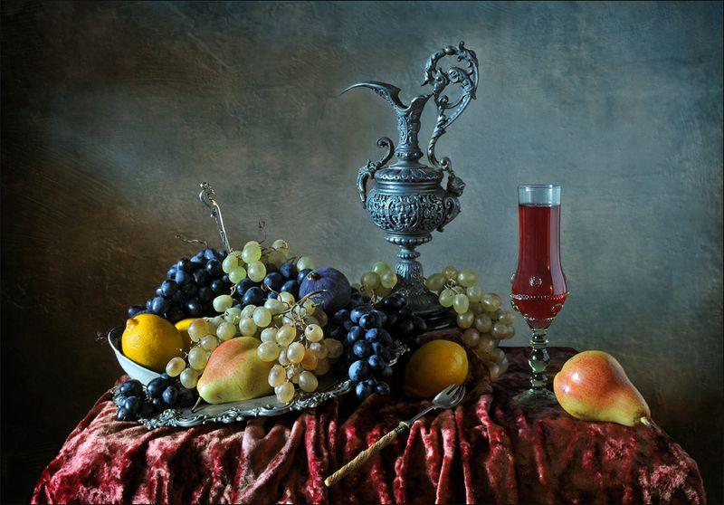 натюрморт , виноград, кувшин, вино , фрукты С вином и виноградомphoto preview