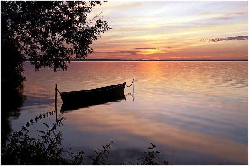плещеево, озеро, переславль, залесский, закат, лодка В вечерней тишинеphoto preview