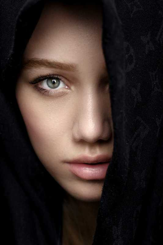 portrait girl beauty deep ***photo preview