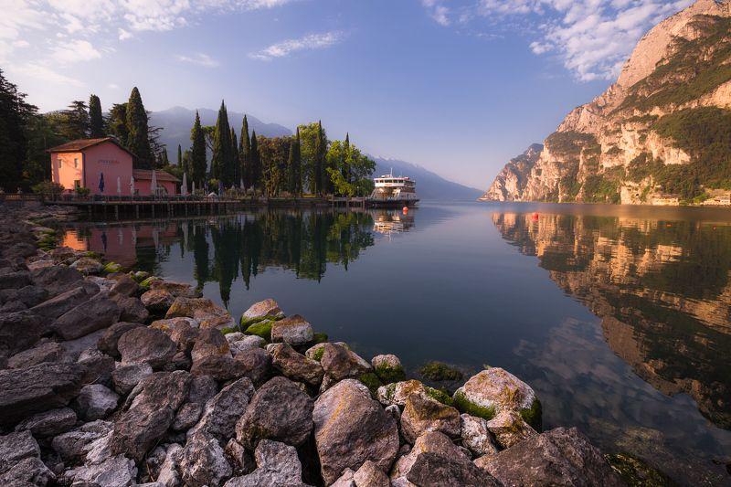 Гарда, Garda, Рива-дель-Гарда, Riva del Garda, Италия, озеро, Альпы, рассвет, утро Рассветная Гардаphoto preview
