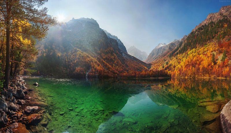 Золотая осень на большом Бадукском озереphoto preview