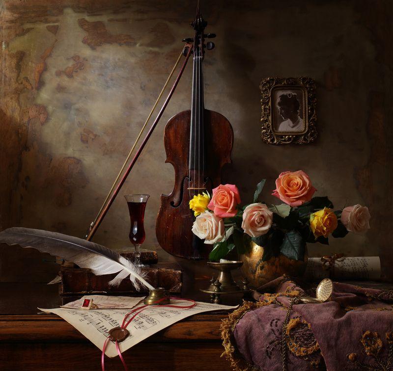 скрипка, музыка, цветы, свет, девушка, портрет, искусство, розы Натюрморт со скрипкой и цветамиphoto preview