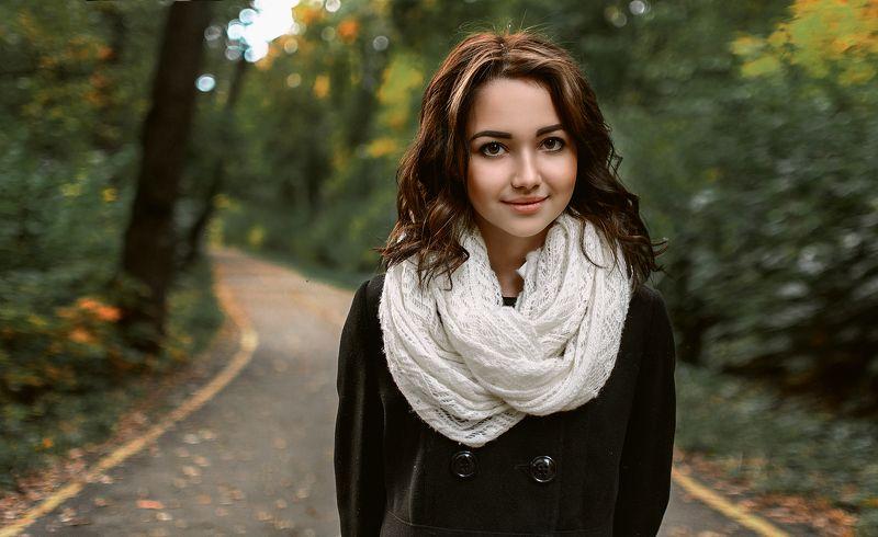 девушка , лес, осень, улыбка, модель, Alinaphoto preview