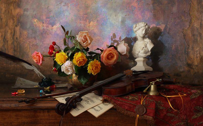 цветы, розы, музыка, бюст, девушка, скрипка Натюрморт со скрипкой и розамиphoto preview