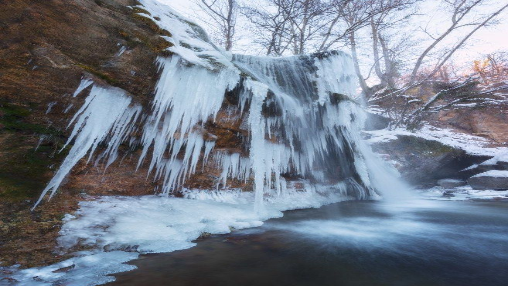 водопад, джур-джур, пейзаж, природа, зима, вода, мороз, россия, путешествия, туризм, новый год, новогодние каникулы Хрустальные струиphoto preview