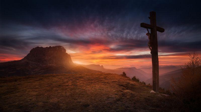 италия, доломиты, закат, горы, облака, крест, голгофа Голгофаphoto preview