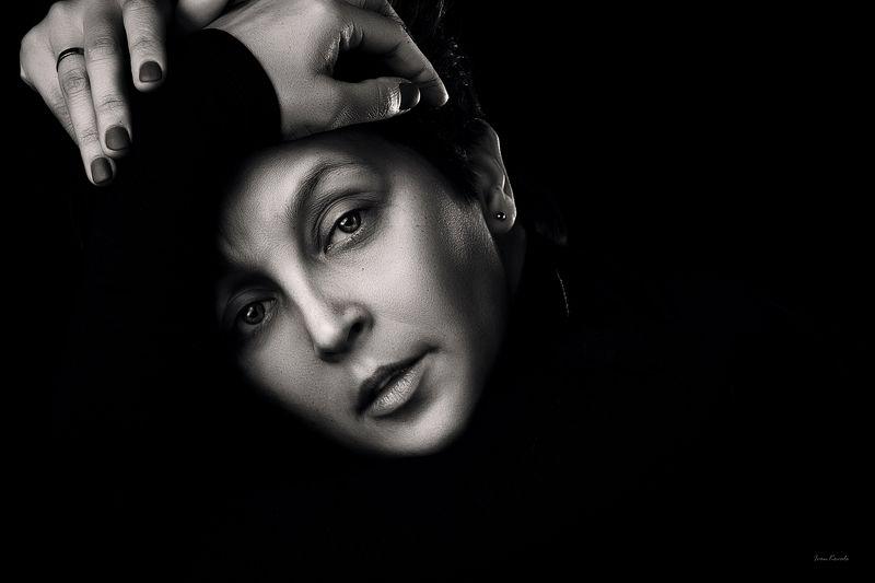 люди, человек, девушка, женщина, черно-белое, взгляд, выражение, настроение, глаза, чб, портрет, студия, фотокузница, ivankovale Настроениеphoto preview