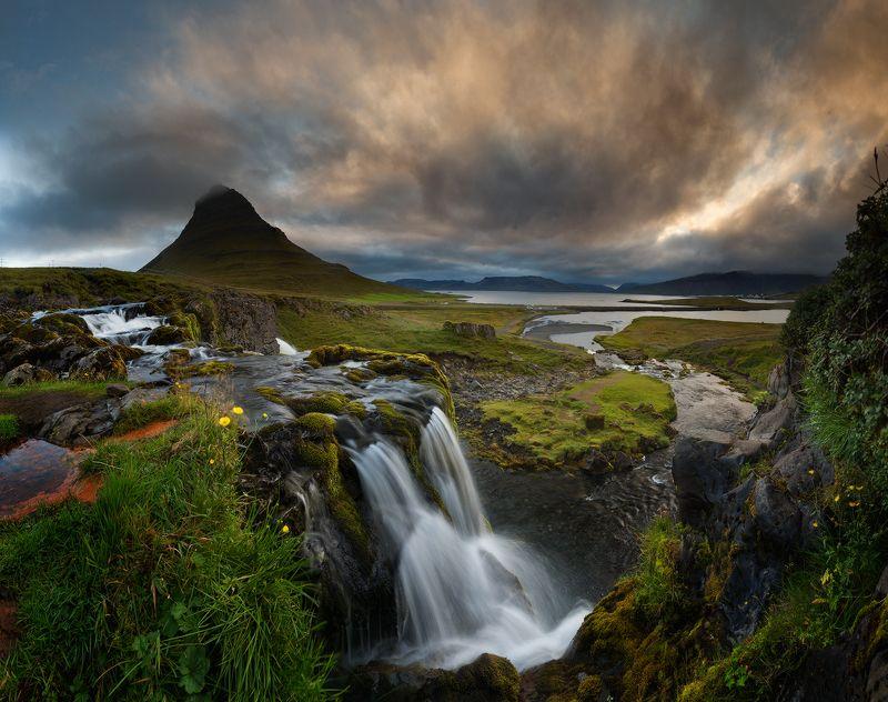 Kirkufell, Iceland Kirkufellphoto preview