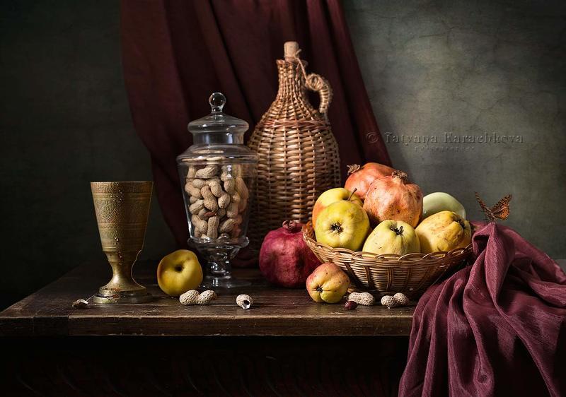 натюрморт, банка, арахис, айва, гранат, бокал, бутыль в оплетке, вино С фруктами и арахисомphoto preview