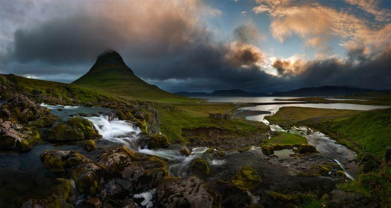 Kirkjufell, Iceland Kirkjufellphoto preview