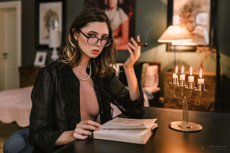 портрет, девушка, студия, естественный свет, portrait, girl, indoors, natural light Дишаphoto preview