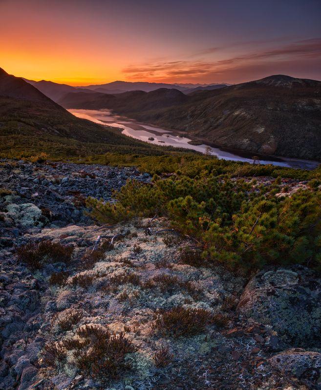 рассвет, утро, колыма, осень, горы, озеро Вулканический рассветphoto preview