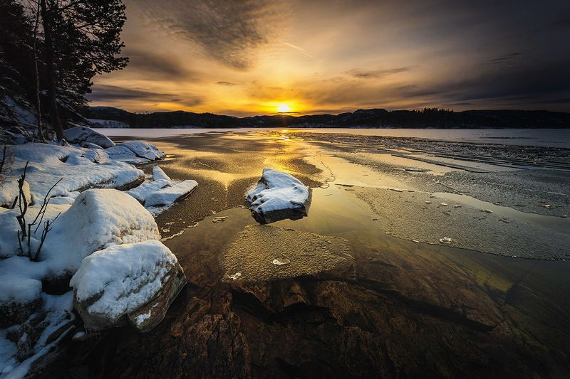 winter,lake,freezing,norway,norwegian,sun light, shore, snow, ice, water, Winter\'s light magicphoto preview