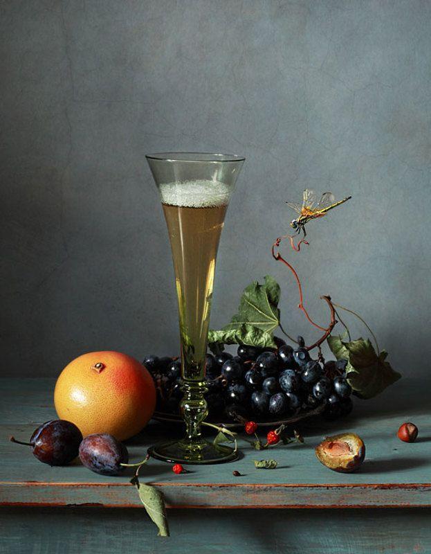 Вино и фруктыphoto preview
