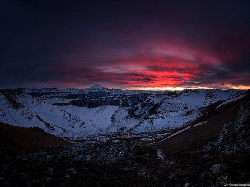 эльбрус Пылало небо над Эльбрусом...photo preview